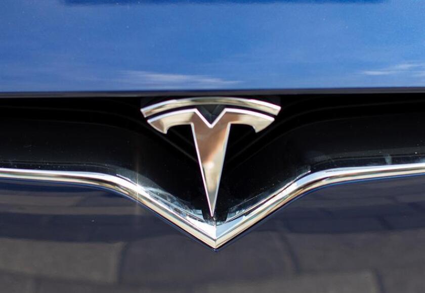 La demanda de la Comisión del Mercado de Valores de Estados Unidos (SEC) contra el empresario Elon Musk por fraude ha multiplicado las especulaciones sobre la salida de este de Tesla, el fabricante de automóviles eléctricos de lujo. EFE/ARCHIVO