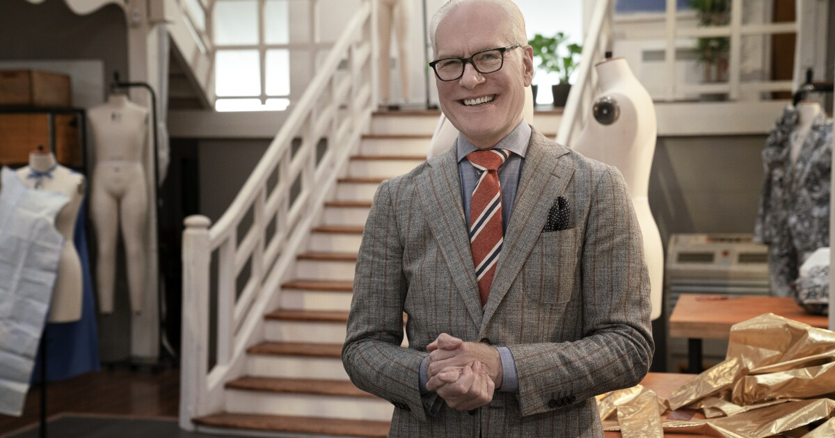 Tv Show Mentor Tim Gunn Is Freaked Out By Coronavirus Too Los Angeles Times