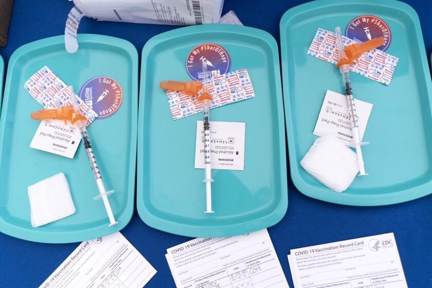 Vacunas de Pfizer contra el COVID-19 para mayores de 12 años en una clínica en el sureste de Washington.
