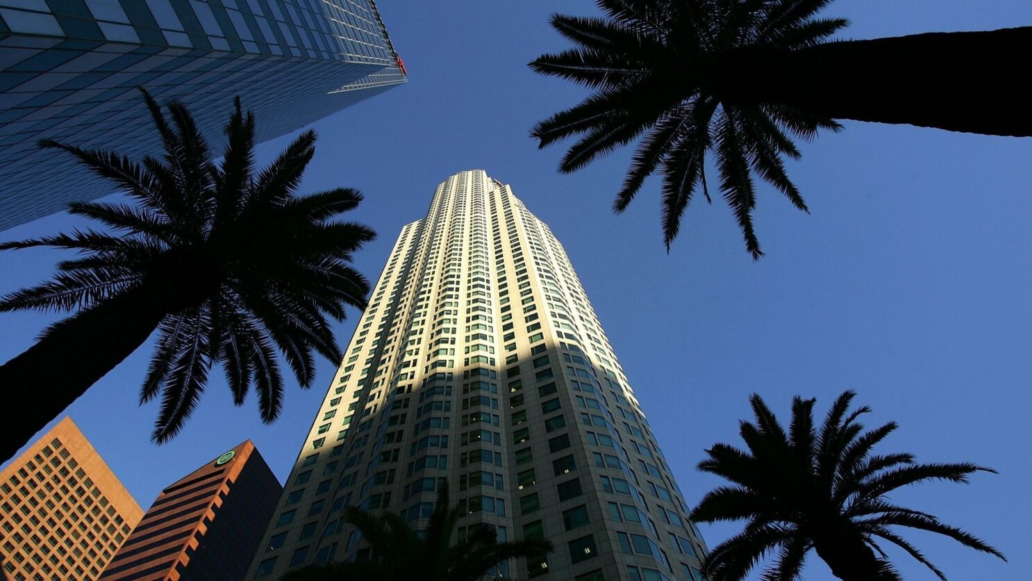 us bank tower once the west s tallest building goes on the block los angeles times us bank tower once the west s tallest
