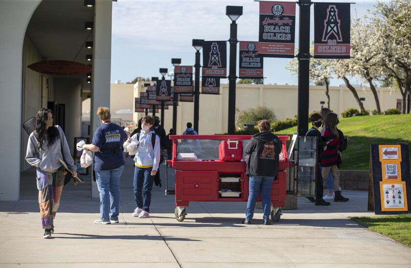 Food service providers at Huntington Beach High School