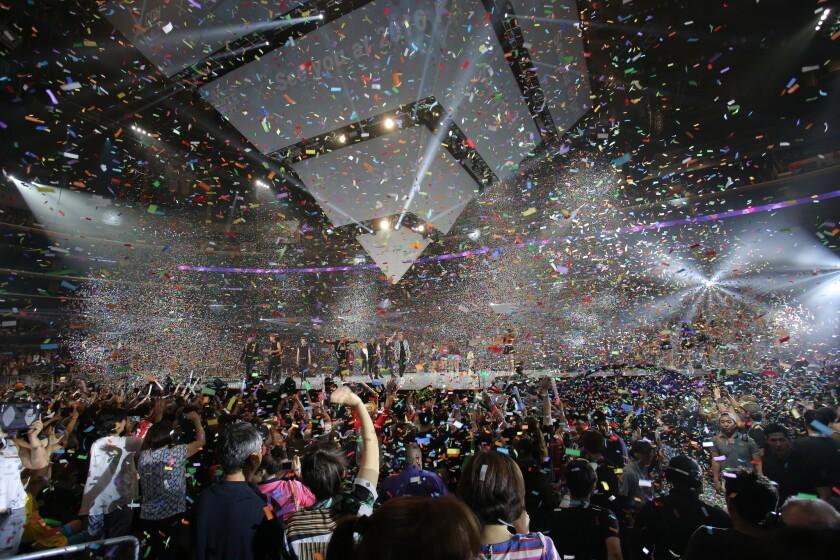 The scene at KCON 2015