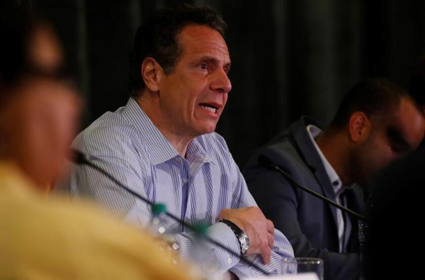 El gobernador Andrew Cuomo se impondría en las primarias demócratas del jueves por un amplio margen sobre su rival por la nominación del partido, la actriz y activista Cynthia Nixon, según una encuesta de opinión, a tres días de las primarias del 13 de septiembre. EFE/ARCHIVO