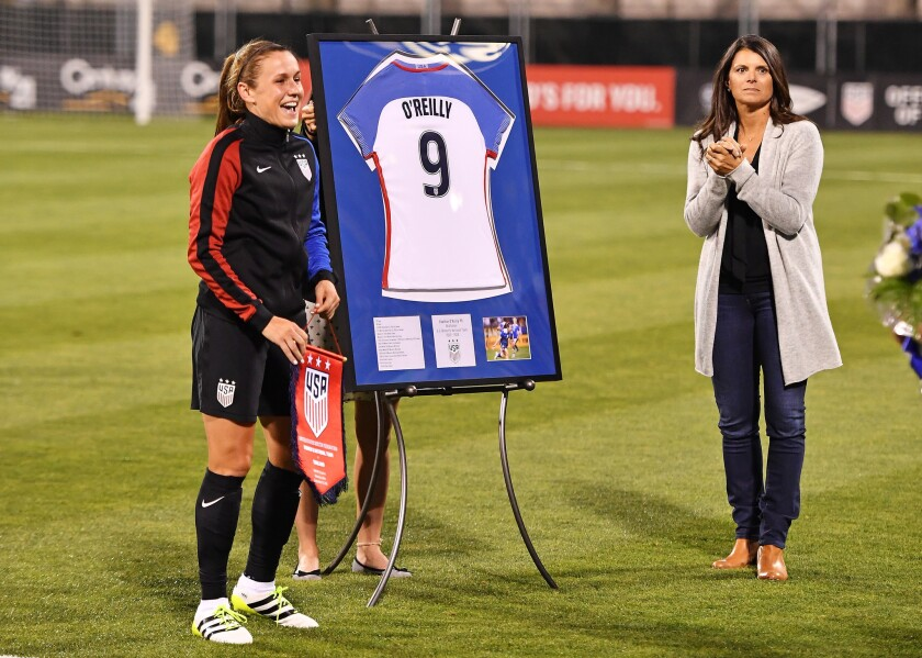 U.S. blows out Thailand in Heather O'Reilly's farewell