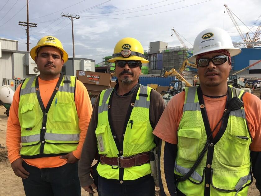 Trabajadores del estadio de LAFC