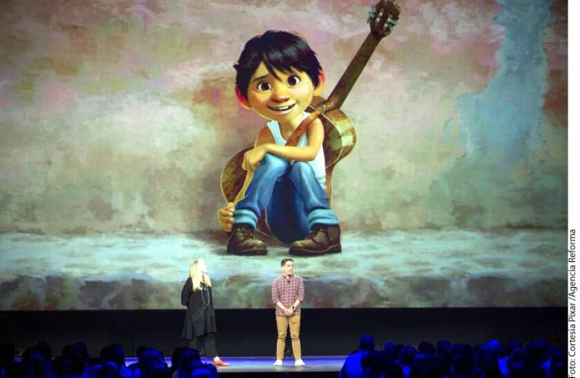 Un xoloitzcuintle, alebrijes, vestuarios con bordados de Oaxaca, la idolatría hacia Pedro Infante y hasta los tamales verdes... todos estos elementos tan icónicos de la cultura mexicana ahora también forman parte de la nueva película de Pixar Animation Studios: Coco.