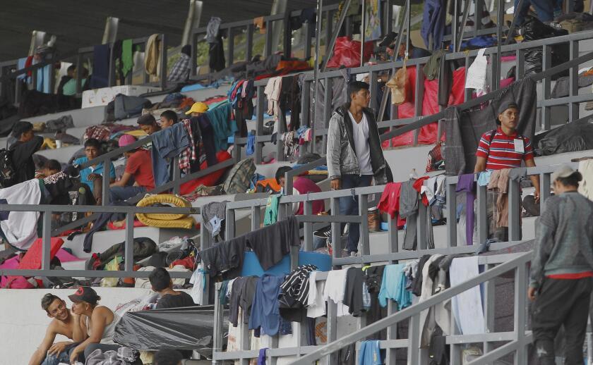 Caravana migrante se agrupa en M?xico con ?nimo reforzado para llegar a EEUU