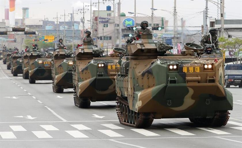 """El Pentágono anunció hoy la suspensión """"indefinida"""" de los ejercicios militares en Corea del Sur en cumplimiento de lo acordado entre el presidente, Donald Trump, y el líder norcoreano, Kim Jong-un, la semana pasada. EFE/ARCHIVO"""