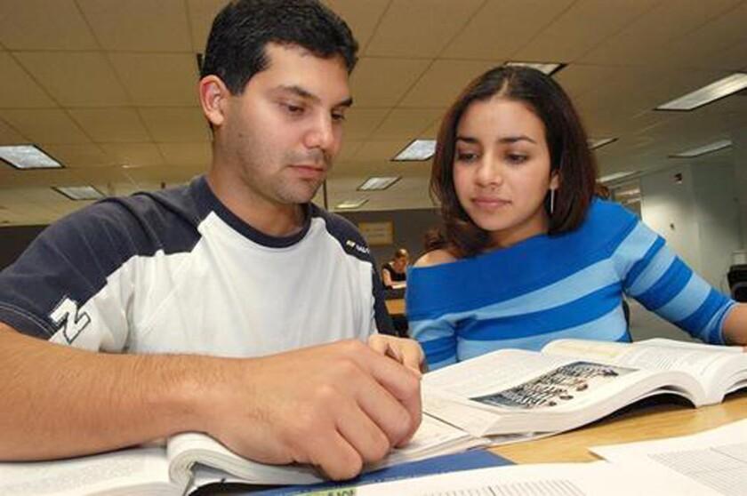Web ofrece acceso gratis a información sobre millones de becas universitarias