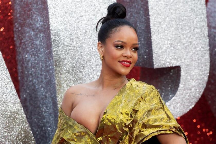 La cantante y actriz barbadense Rihanna posa durante el estreno europeo del filme 'Oceans 8'. EFE/Archivo