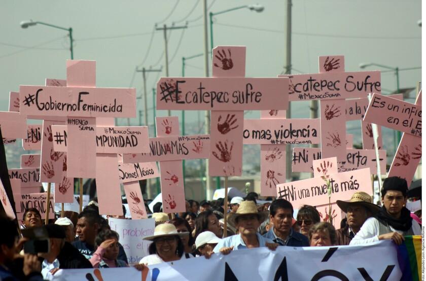 Los manifestantes caminaron sobre Avenida Insurgentes, en Las Américas, para ir a la Unidad de Estudios Superiores de Ecatepec, donde el Papa Francisco oficiará una misa el próximo domingo.