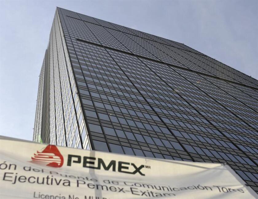 Vista de la Torre Corporativa de Petróleos Mexicanos (PEMEX), ubicada en Ciudad de México. EFE/Archivo