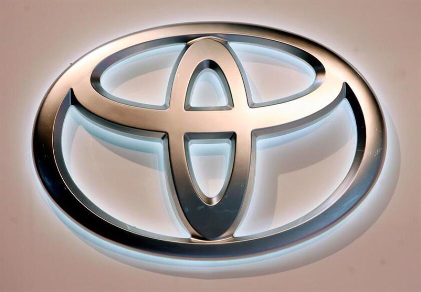 El vehículo, cuyos primeros prototipos tuvieron como base el Toyota Prius, el híbrido eléctrico más popular del mundo, está equipado con un motor de combustión interna flexfuel, lo que le permite funcionar no sólo con electricidad sino también, e indistintamente, con gasolina, etanol o una mezcla de ambos. EFE/Archivo