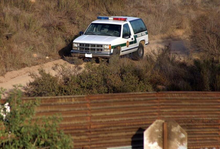 Una corte federal de apelaciones determinó hoy que el agente de la Patrulla Fronteriza que disparó de manera letal contra un joven mexicano al otro lado del muro no tiene inmunidad, y abre la puerta a que sea juzgado por la familia de la víctima. EFE/ARCHIVO