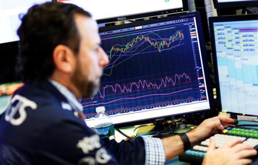 Wall Street cierra con fuertes pérdidas y el Dow Jones baja un 1,99%