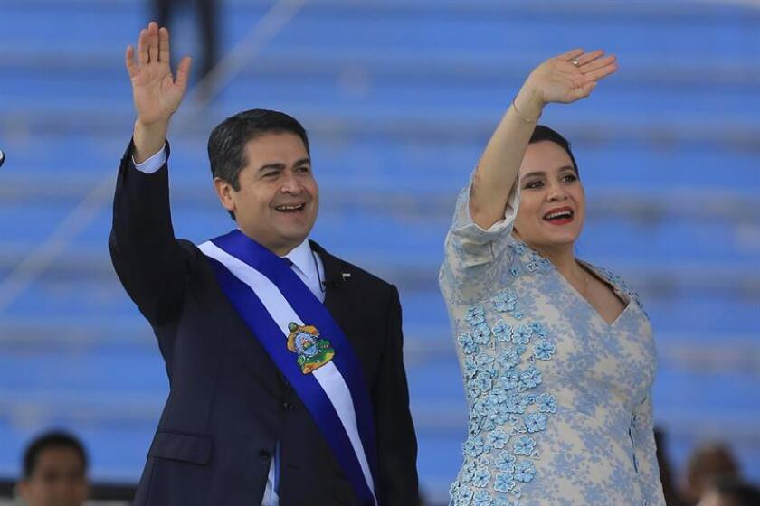 Juan Orlando Hernández será investido hoy presidente de Honduras con el aval de la mayoría de países americanos pese al duro informe técnico de la OEA que no lo reconoce como vencedor por las irregularidades del proceso electoral. EFE/ARCHIVO