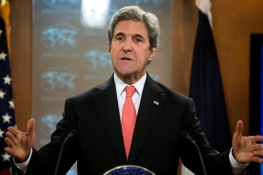 """El secretario de Estado, John Kerry, ironizó hoy que el proceso de transición con el nuevo equipo del presidente electo, Donald Trump, está siendo """"suave"""" ya que no ha habido conversaciones de alto nivel ni con quien ha sido nominado para sucederle, Rex Tillerson. EFE/ARCHIVO"""