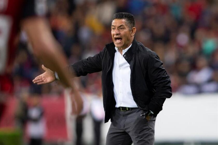 En la imagen un registro del entrenador de León, Ignacio Ambriz. EFE/Archivo