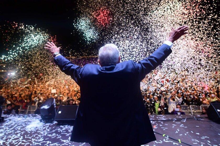 Las 9 promesas que llevaron a López Obrador a la presidencia de México
