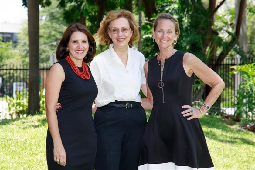 Photo provided by the University of Miami's Leonard H. Miller School of Medicine showing, left to right, Doctors Marie Alcaide, Margaret Fischl and Deborah Weiss, who are conducting a 7-year study on why HIV-infected people over age 55 develop non-infectious diseases at greater rates than non-infected people. EFE-EPA/ Jorge R. Perez/Courtesy University of Miami's Leonard H. Miller School of Medicine /Editorial Use Only/No Sales