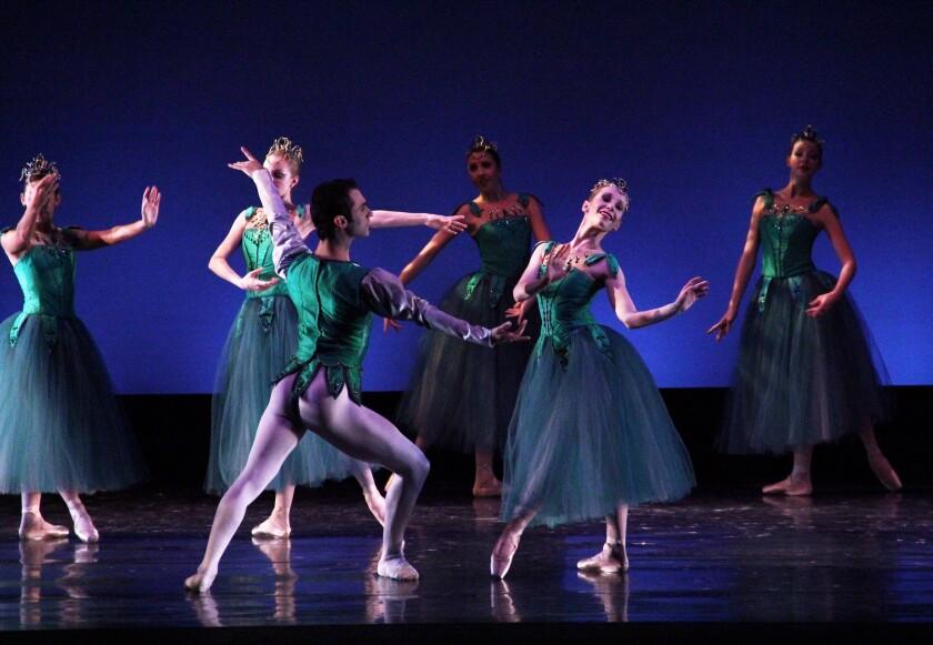 sd-et-stage-ballet-jpg.jpg