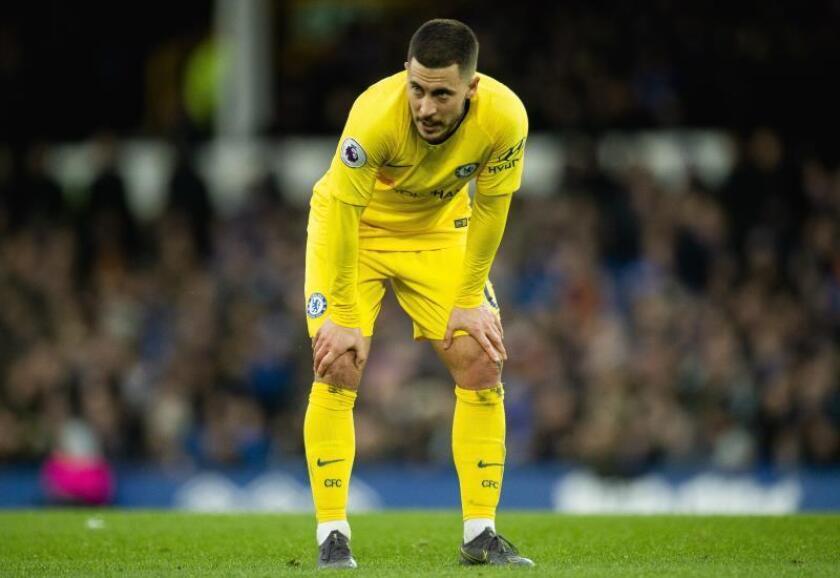 El jugador belga del Chelsea Eden Hazard reacciona durante el partido de la Premier League Everton y Chelsea en Goodison Park en Liverpool, Reino Unido. EFE/EPA