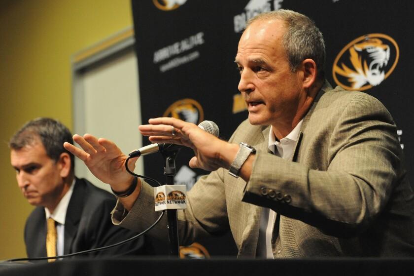 Missouri Coach Gary Pinkel to step down because of health reasons
