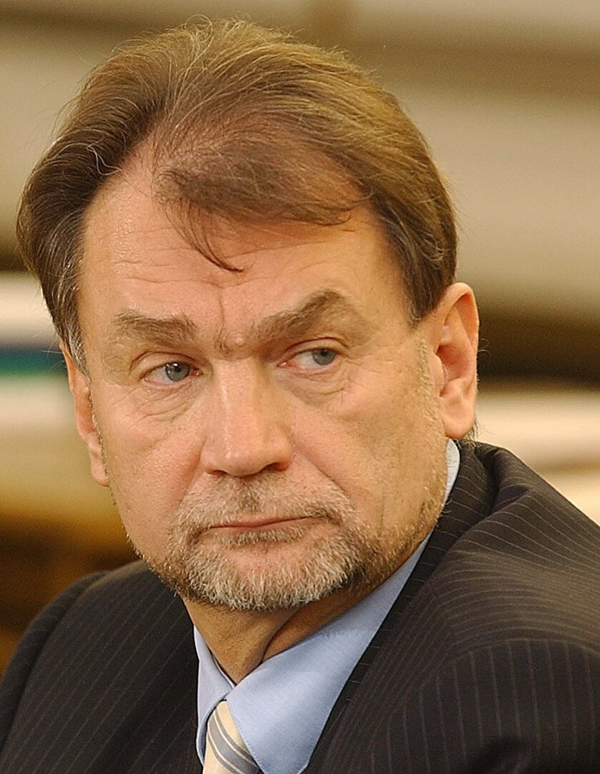 FILE - In this Nov. 30, 2004 file photo Jan Kulczyk appears at a special parliamentary commission that examined the deals of the fuel giant PKN Orlen. Kulczyk Holding says Wednesday July 29, 2015, that its founder and president, Jan Kulczyk, Poland's richest businessman, has died from complications after surgery. He was 65. For years, Kulczyk, a lawyer and manager by education, led lists of the richest Poles and was reputed for his courage and imagination in business decisions. He invested in the energy and natural resources sectors in Europe and in Africa, and developed the car sector in Poland. (AP Photo/Czarek Sokolowski)