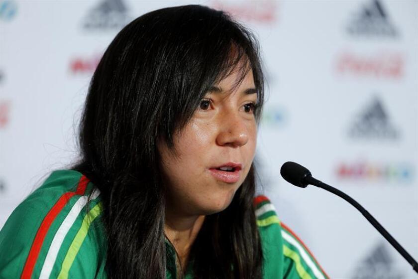 Liderado por la delantera Charlyn Corral, líder goleadora de la Liga española en la pasada temporada, México aspira a obtener una plaza en el Mundial que se disputará el próximo año en Francia. EFE/Archivo