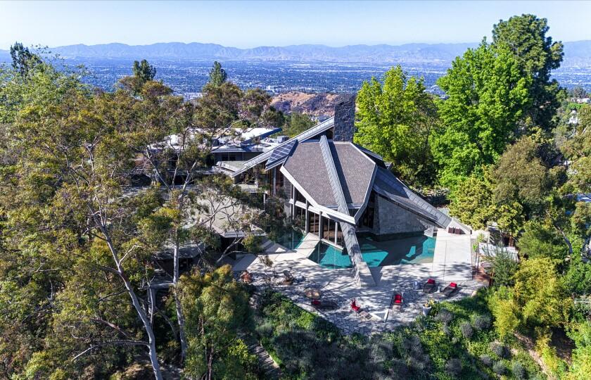 Wilt Chamberlain's former Bel-Air home| Hot Property