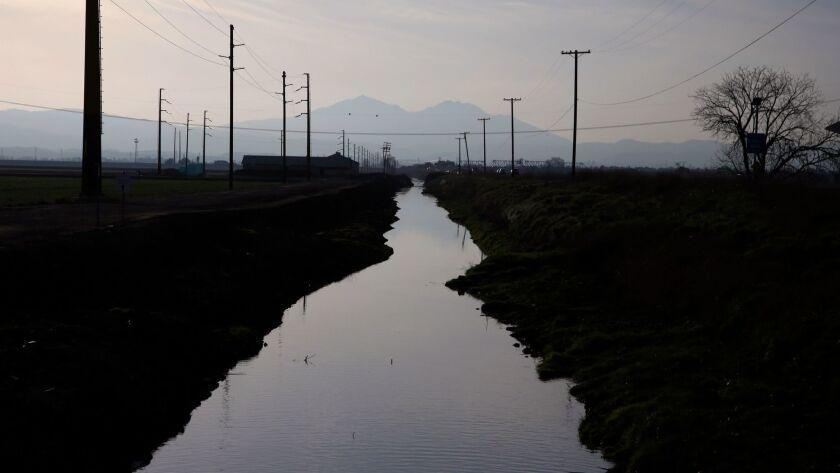 The board of the Kern County Water Agency on Thursday took a critical vote on the $17-billion California WaterFix project.