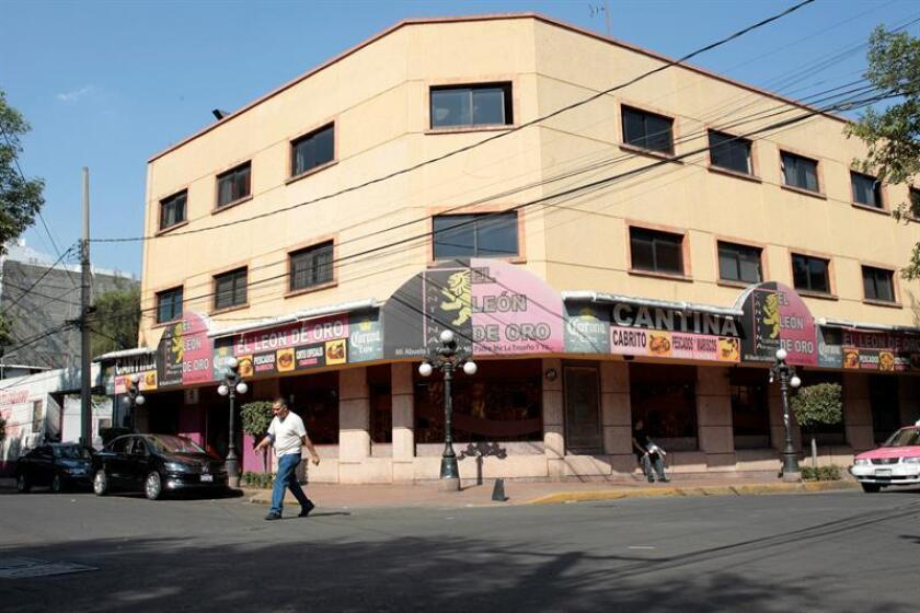 Vista general del Bar El León de Oro, propiedad del ciudadano español José González, en la colonia Escandón, en Ciudad de México (México). EFE/STR