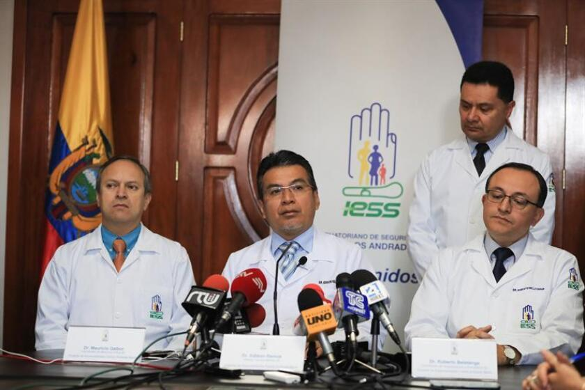 The medical director of the Carlos Andrade Marin Hospital, Edison Ramos (C), delivers a press conference, in Quito, Ecuador, Nov. 7, 2018. EPA-EFE/Jose Jacome