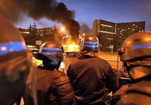 la-riots1-iplot5kn