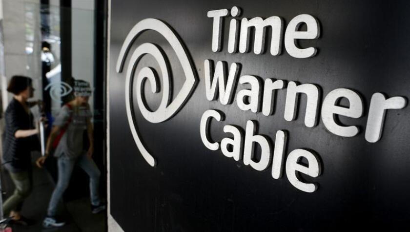 La Comisión de Servicios Públicos de Nueva York revocó hoy su aprobación al acuerdo de fusión alcanzado en 2016 por las operadoras de cable Charter y Time Warner Cable y buscará sanciones contra la primera por haber incumplido sus compromisos. EFE/ARCHIVO