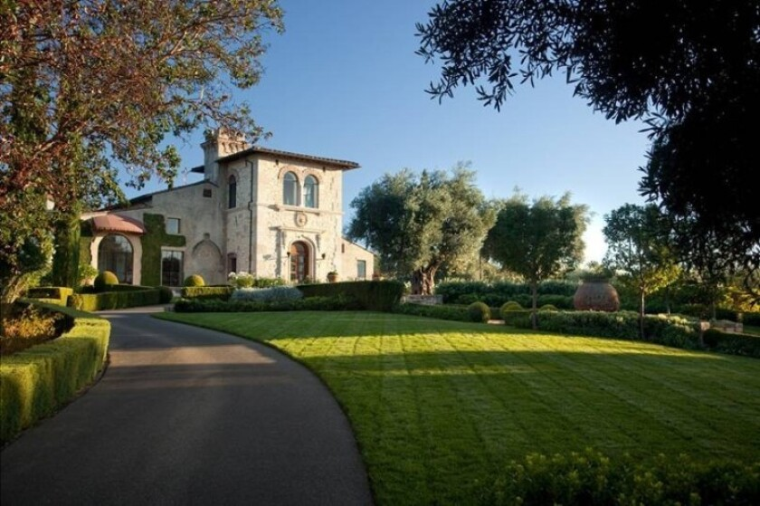 NFL legend Joe Montana and his wife, Jennifer, have listed their 500-acre wine country spread for $49 million.
