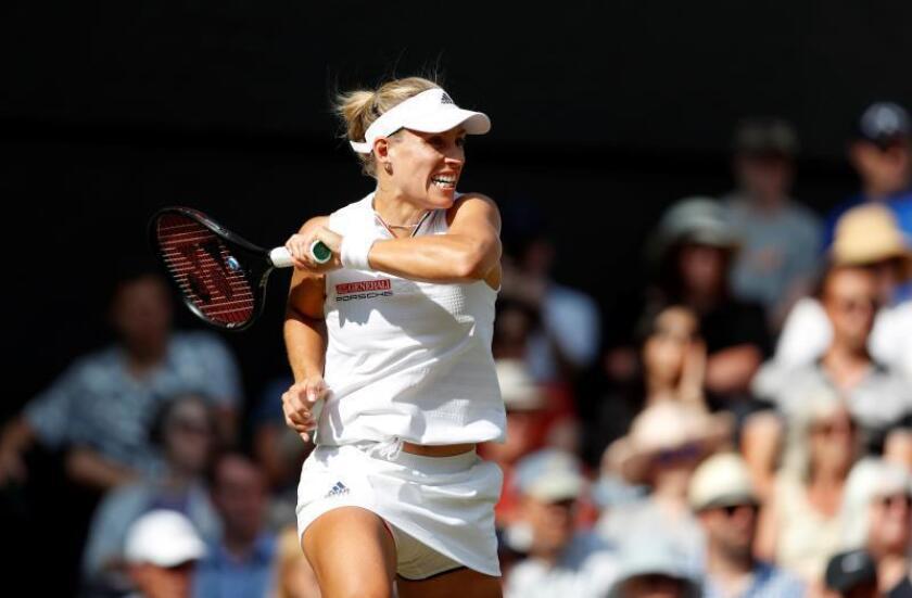 Kerber rompió cuatro veces el servicio de Serena. EFE