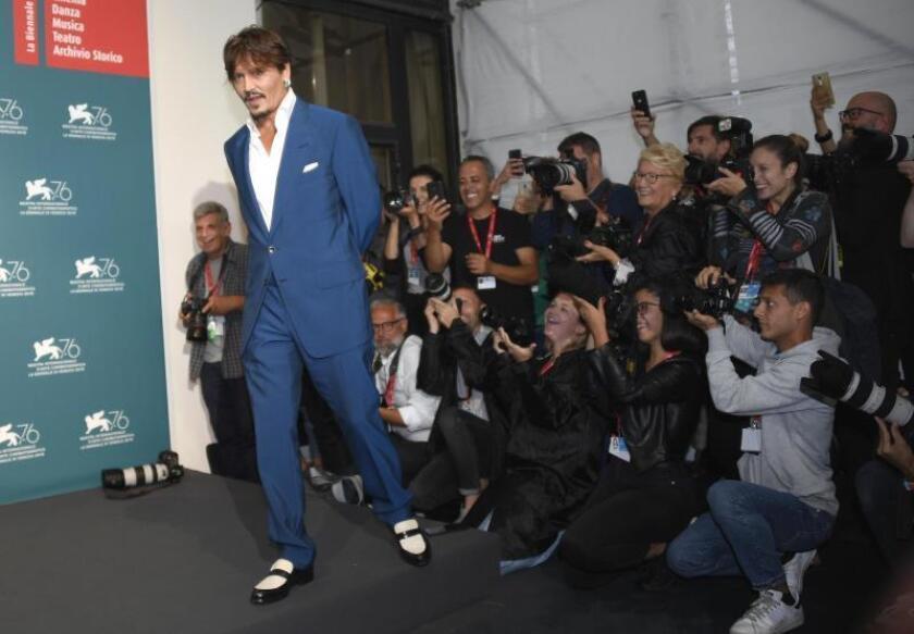 """Johnny Depp """"orgulloso"""" de coincidir en la Mostra con su hija Lily-Rose"""