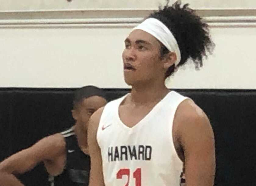 Adam Hinton scored 18 points to rally Harvard-Westlake to a 54-51 victory over Crespi.