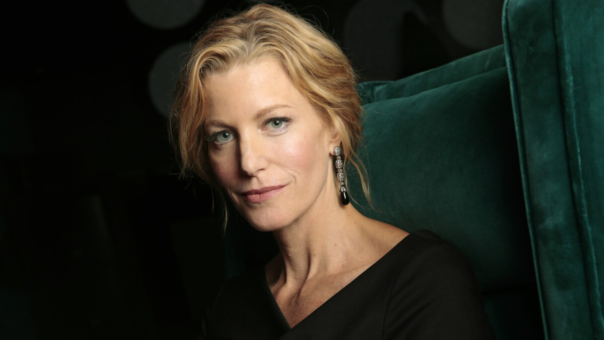 Anna Gunn S Character On Breaking Bad Is Actually Not Strong Enough Los Angeles Times