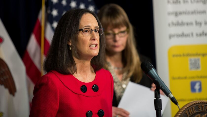 Illinois Attorney General Lisa Madigan speaks at a news conference in 2016.