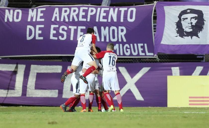 Imagen de archivo de jugadores del Cerro Porteño. EFE/Archivo