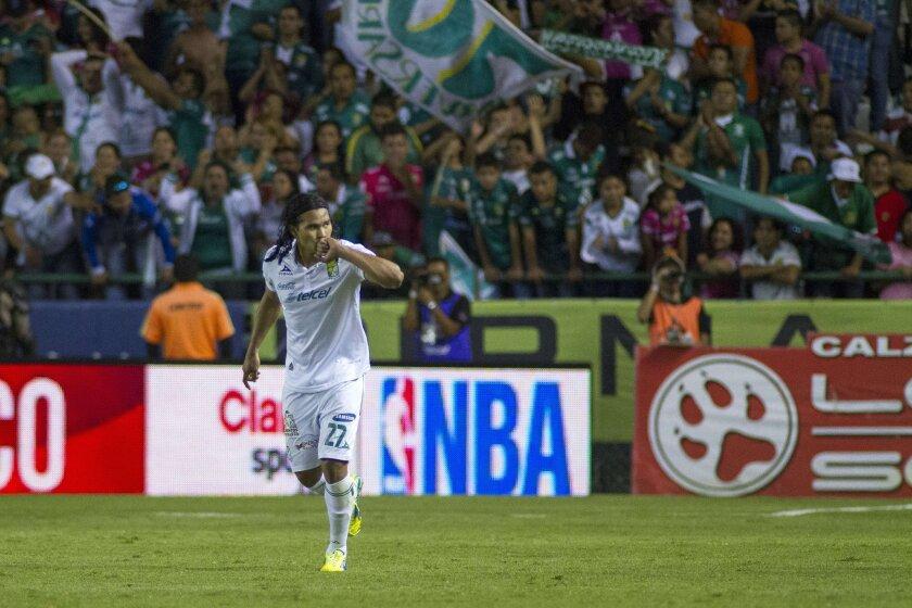 Carlos Peña, del León.