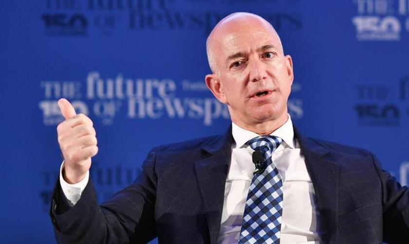 El fundador de Amazon, Jeff Bezos, habla durante una conferencia. EFE/Archivo
