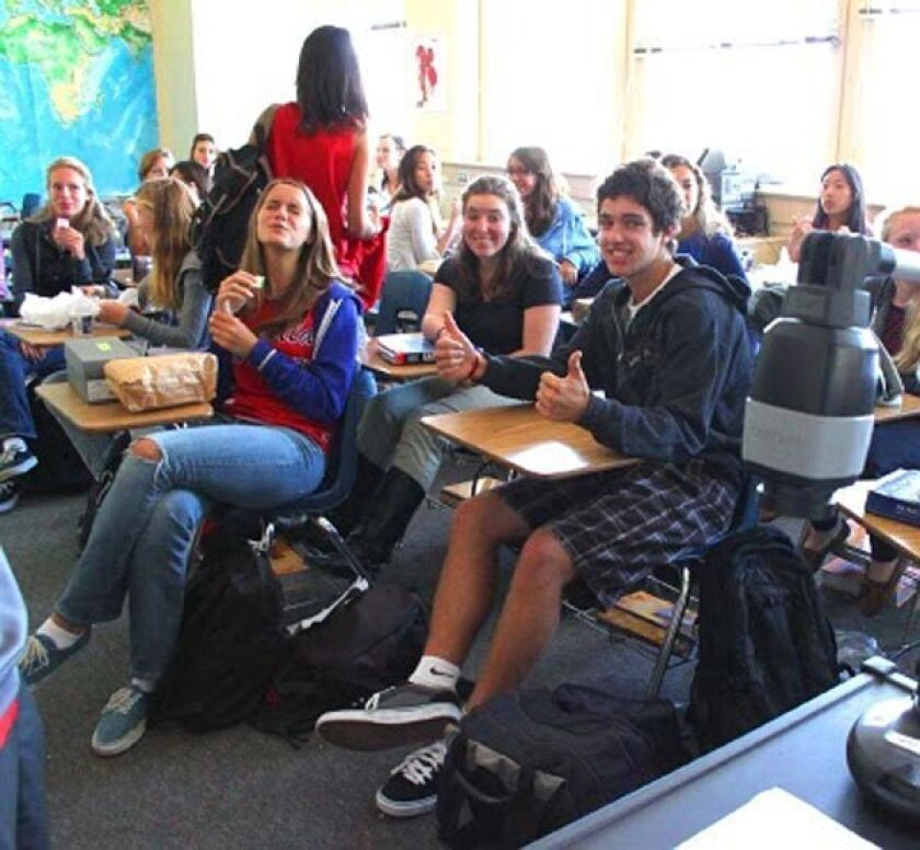 Members of the La Jolla High Glee Club hold their Thursday meeting. Photo by Roger Li