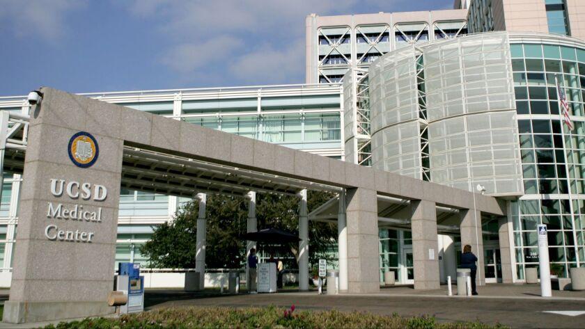 Tuesday, Nov. 18th 2009-UCSD Medical Center, Hillcrest, CA, USA. David Brooks/Union-Tribune/Zuma Pre
