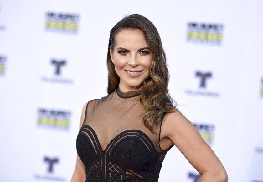 Kate del Castillo llega a los Latin American Music Awards en Los Ángeles el 26 de octubre de 2017.