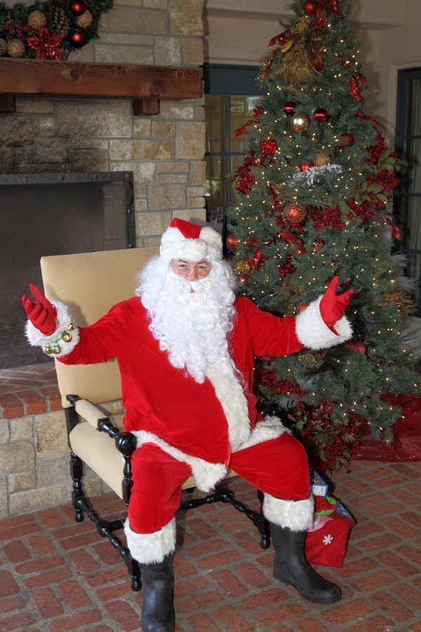 Santa visits the RSF Golf Club
