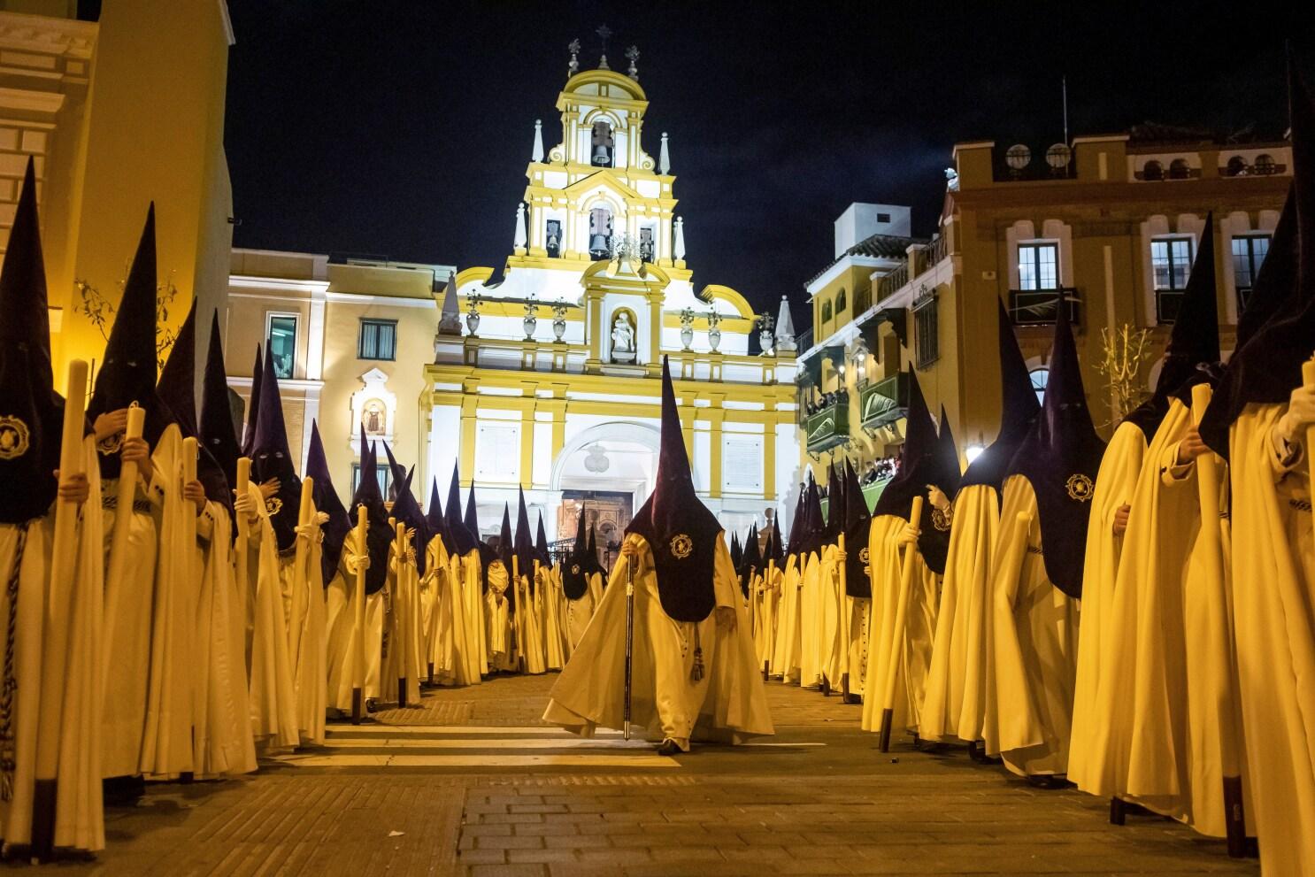 España Se Queda Sin Procesiones De Semana Santa Por El Coronavirus Los Angeles Times
