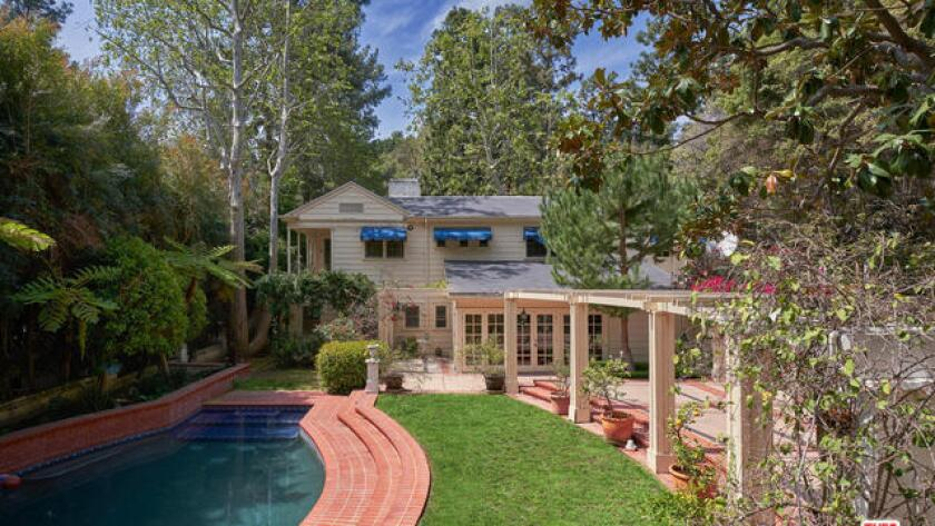 Onetime home of Donna Reed | Hot Property